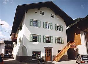 Appartamenti chalet orchidea penia canazei val di for Piani di casa con passaggi e stanze segrete